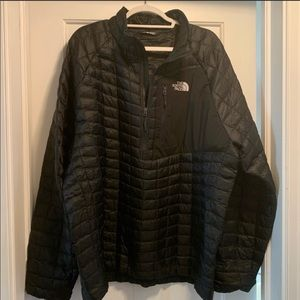 North Face Pullover Jacket...